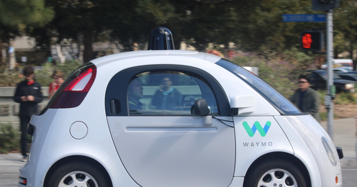 Self-driving car data prompts new insurance products
